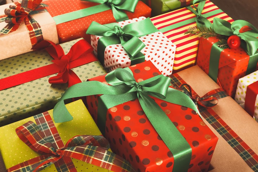 Creating a Christmas Shopping Budget with Your Kids